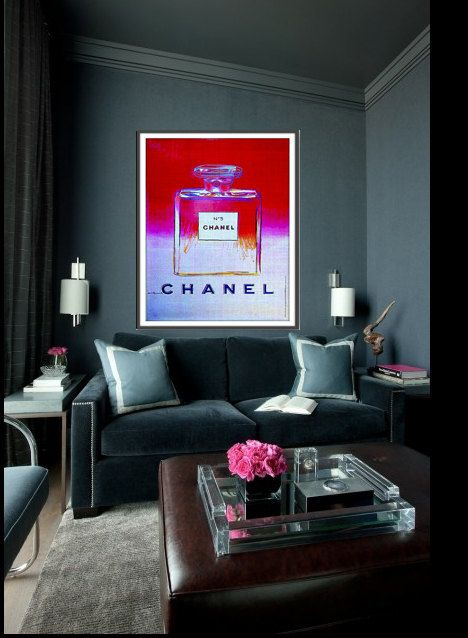 How to display statement artwork