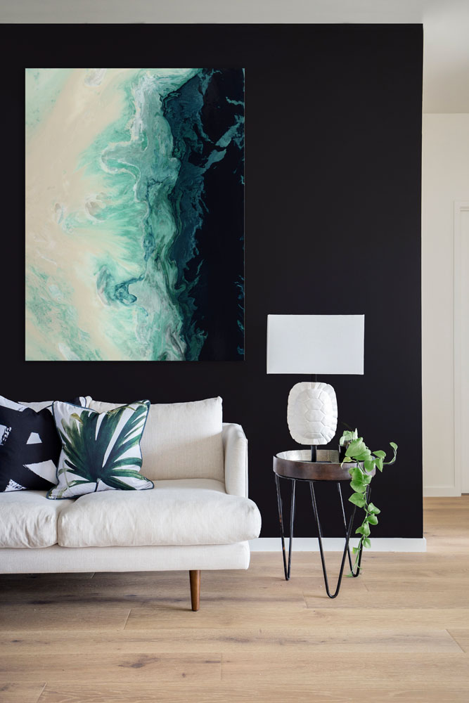 How to display statement artworks