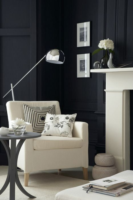 Monochromatic schemes - how to use black and white