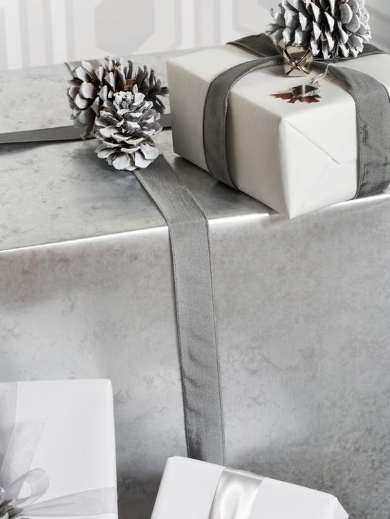 Modern Home Magazine - how to introduce silver at Christmas