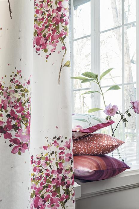 Country Home Ideas - Summer Floral Hues