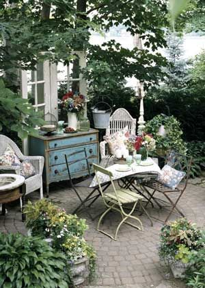 My 5 top tips to create the perfect cottage garden dining setting