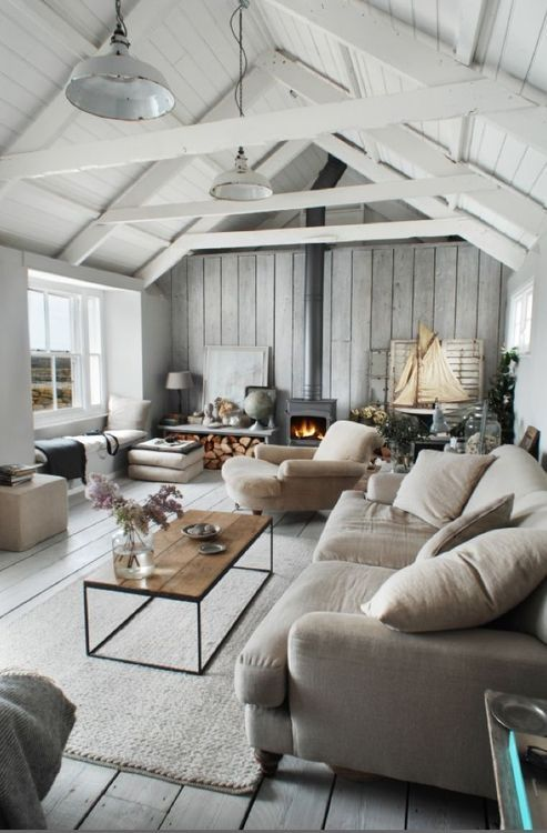 7 tips for a neutral beachside style