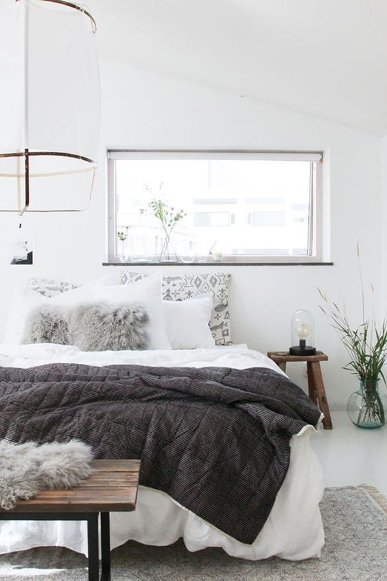 5 tips to create a calm bedroom environment