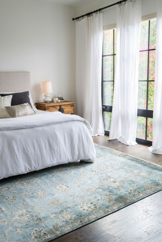 how to select the right rug - making your home beautiful Rug in Bedroom